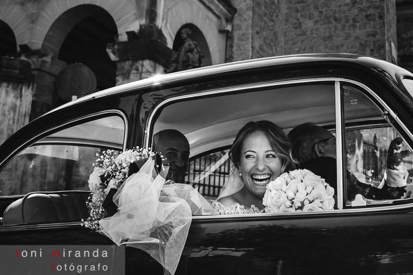 novia llegando a maria auxiliadora en coche