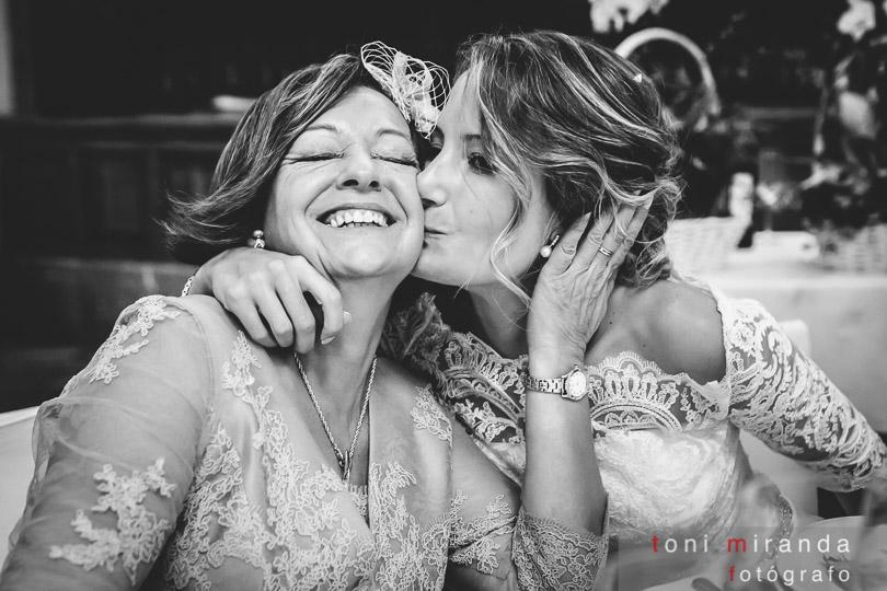 novia con madre en circulo industrial alcoy