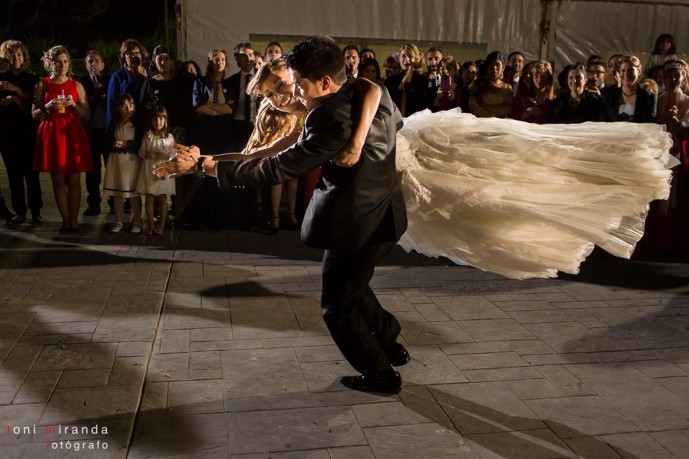 baile de novios con espectaculo