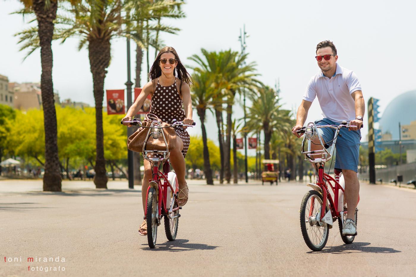 Paseo en bici por el puerto olímpico de Barcelona