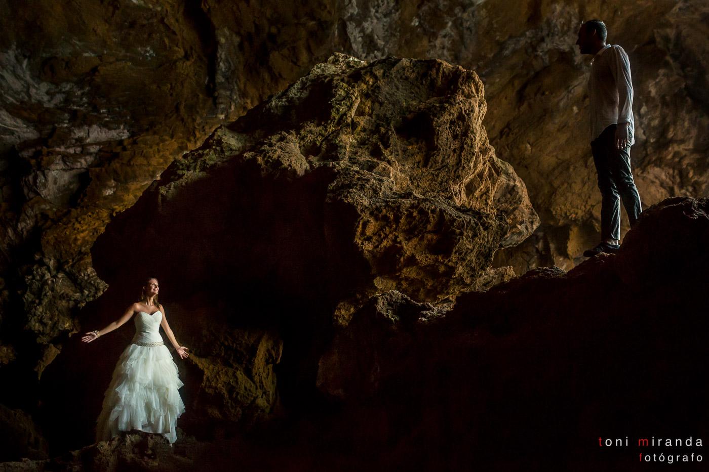 novios en la cova tallada de denia