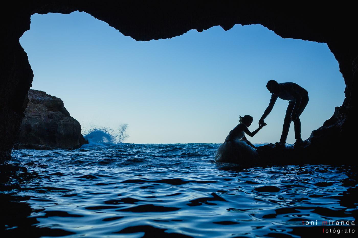 novios en cova tallada de denia