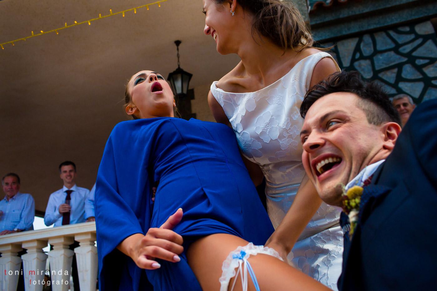Entrega de liga en banquete de boda en Aspe