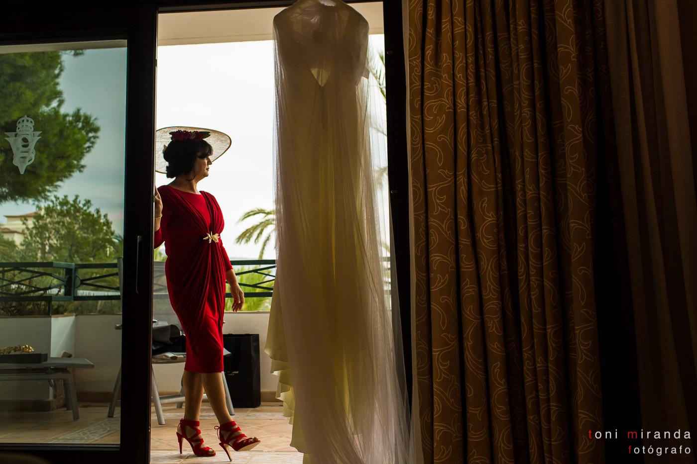 vestido de novia en hotel Villa gadea de altea