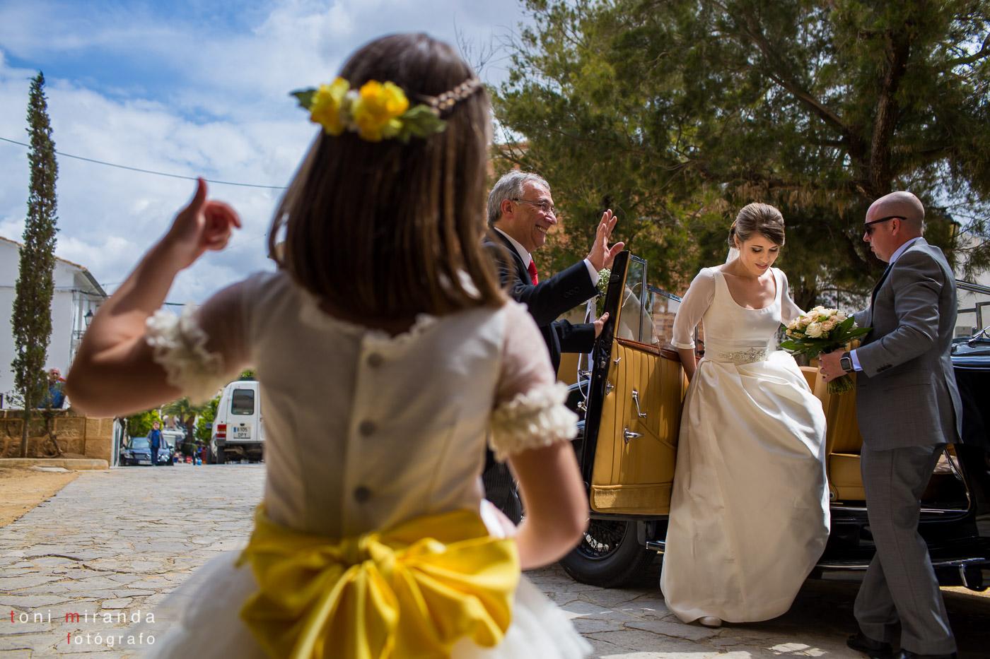 llegada de la novia a la Iglesia del Convento de Benissa en Alicante